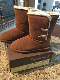 BEARPAW SUEDE SHEARLING BOOTS, SZ 9, $25 firm Panama City, 32409