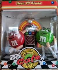 red and green plastic toy 909 mi