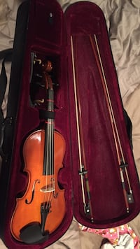 Mendini Violin - Includes Bow - Extra $10 for Rosin West Vancouver, V7S 2M8