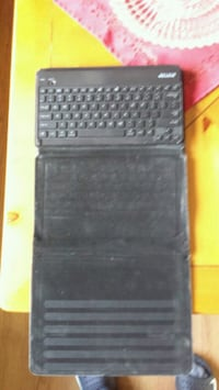 IPad keyboard Surrey, V3R 3J5