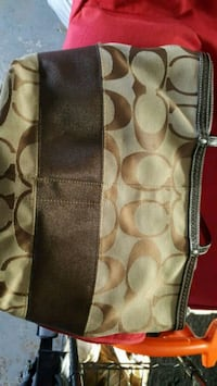 Authentic coach purse 590 mi