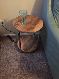 round brown wooden side table Jacksonville, 32224