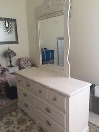 WHITE WOODEN DRESSER with mirror Dumfries, 22172