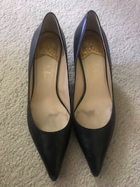 Cole Haan Nike Air black low heel pumps Coquitlam, V3E 2S7
