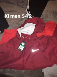 Red and white zip-up hoodie Chicago, 60629