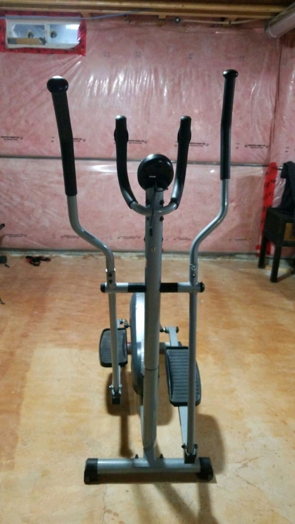 Eliptical Trainer in good condition  0
