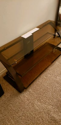 Tempered glass TV stand  New Orleans, 70123