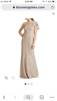 Luxurious stunning off shoulder gown Size :4  Color :gold    Aldie, 20105