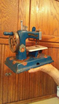 Antique Mini Sewing Machine League City, 77573