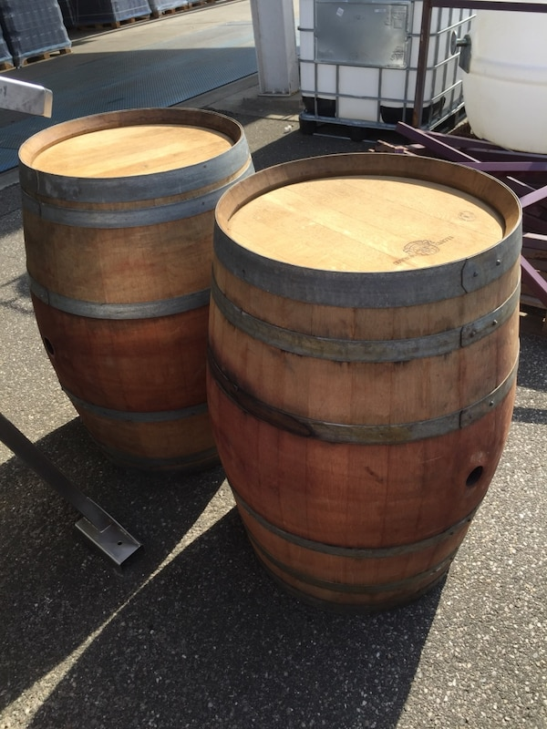 Used Used Oak Wine Barrels For Decoration For Sale In Center