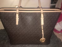 Michael Kors tote  Manchester, 03103
