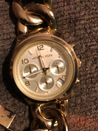 round silver chronograph watch with silver link bracelet Tacoma, 98467