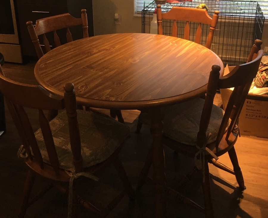 Used wood dining table with chairs in tampa