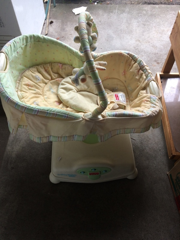 Fisher baby glider 9d428301-ea93-4ab8-a117-ad35c8450383