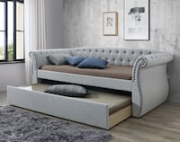 BEAUTIFUL GREY TUFTED DAY BED W/TRUNDLE & NAILHEAD ACCENTS . *(Take it home TODAY easily with only $49 Dlls - Ask for details)* Grand Prairie, 75051