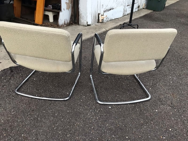 CHAIRS, 2 OFFICE CHAIRS, GOOD CONDITION, VERY STUR 2578d639-4f52-4eb8-b838-62d0a1081afe