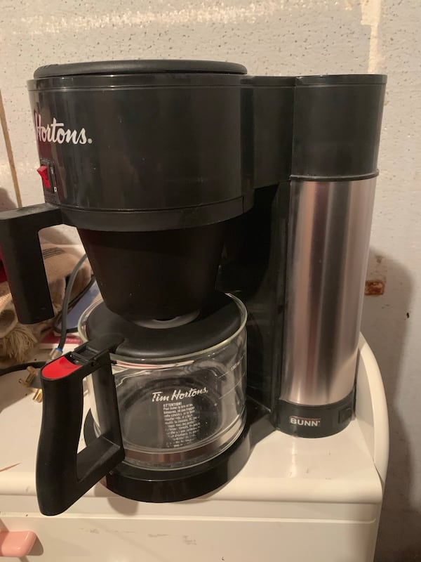 TIM HORTONS COFFEE MAKER!  a5f18a62-b0cd-4c93-9bbb-1229fccde49c