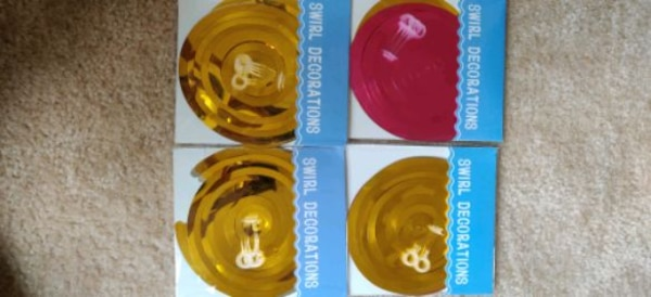 20 PC's swirl decorations.... 8