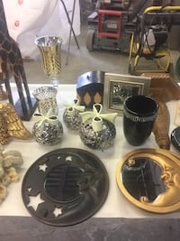 Assortment of Wall sconces
