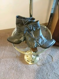Ladys Grey with silver Blings Boots Council Bluffs, 51503