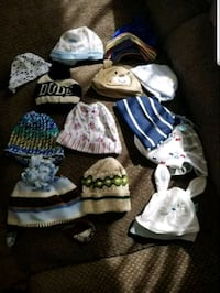 Newborn baby hats. Most are new. Cadillac, 49601