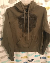 Hooded sweatshirt size large runs small  Holbrook, 11741
