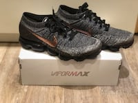 pair of gray Nike cleats with box Vaughan, L4L 2V7