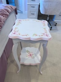 White and pink flowered wood end table Plainsboro, 08536