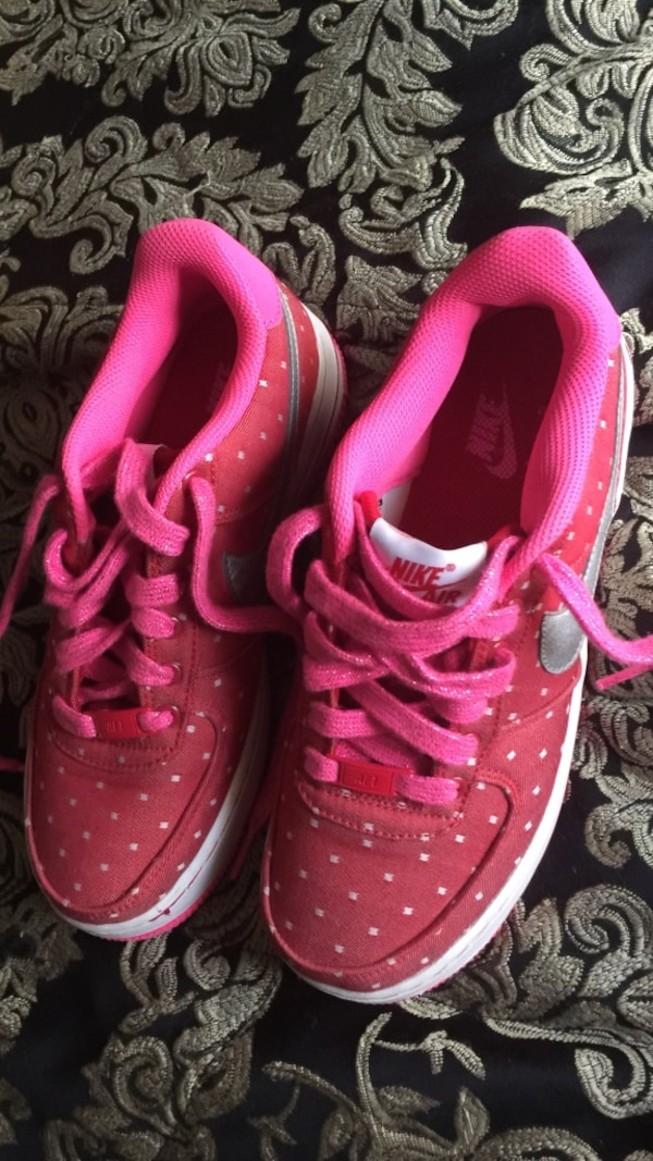 935b5af2e Used Pink air forces never been weared size 6 in kids for sale in Columbia  - letgo