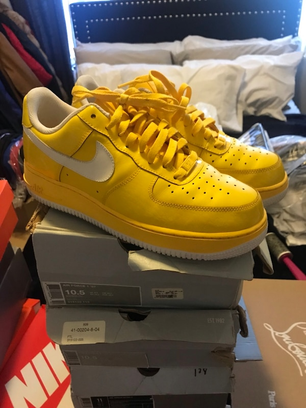 finest selection 18a5e e6c98 Used pair of yellow Nike Air Max shoes with box for sale in Clarkstown