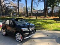Mercedes Benz ML63 Ride-On Toy Car by Kid Trax