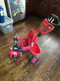 Pushable stroller with wrking phn 4 in 1 Lindenwold, 08021