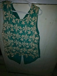 Kids size: 10 blue and white floral sleeveless  San Angelo, 76903