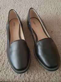 b6f949641c36 Used Girls size 7 Old Navy Jelly shoes for sale in North Ogden - letgo