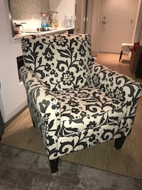 Comfortable Accent Chair Toronto, M4Y 2C3