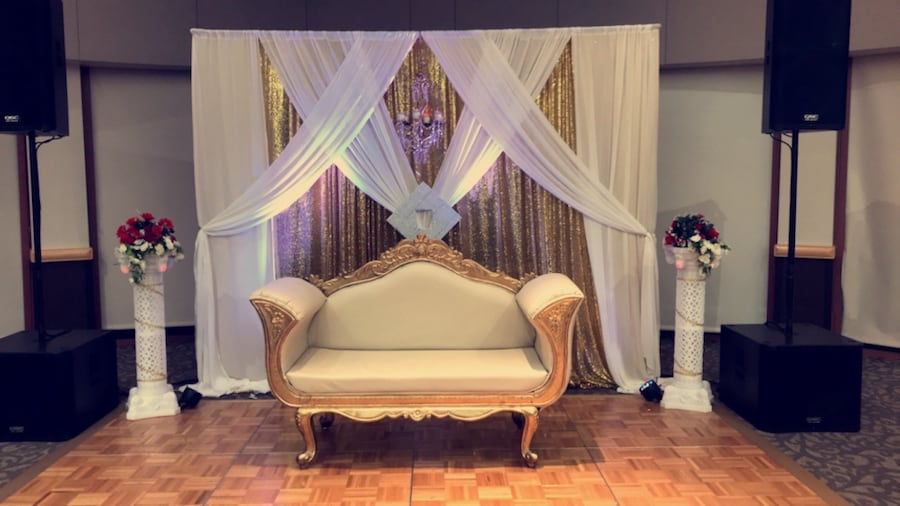 decrating business. I decorate for weddings and parties. Starting &750 and up bb442292-40fb-423d-ba0b-679d60814259