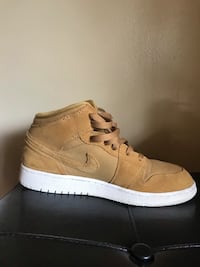 Air Jordan 1  Tan color Excellent used condition  Size 7 Y Knoxville, 37931