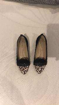 Ellen Tracy black and leopard flats Toronto, M8W 2Z7