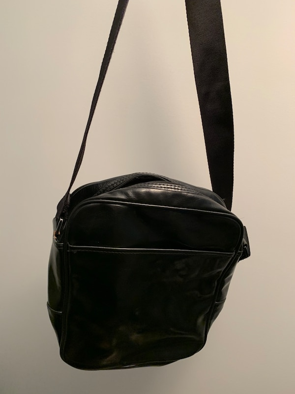 Used MEXX Men s shoulder bag for sale in Burnaby - letgo 7d1a9c1aeec83