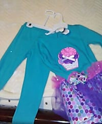 Kids Cupcake Two Piece Set  Ashburn, 20147