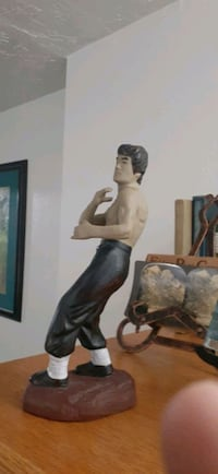 Bruce Lee statue perfect condition Chinese makers Mark early 70s