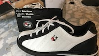 White-and-black  low top bowling shoes