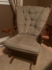 rocking chair with cushion Toronto, M6N 3P9