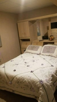 Fully furnished room for rent York