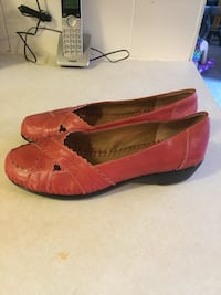 Ladies red shoes - new size 8 1/2
