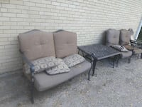 3 patio chairs and table Oak Lawn, 60453