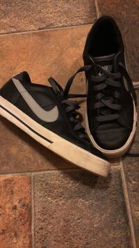 Pair of black-and-white Nike  sneakers Havelock, 28532
