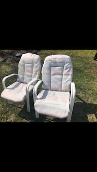 Lawn chairs Keedysville, 21756