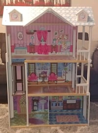 Doll House Mississauga, L5M 5S9