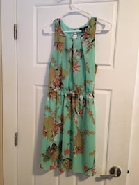Dress size L Floral  Kelowna, V1V 1B1